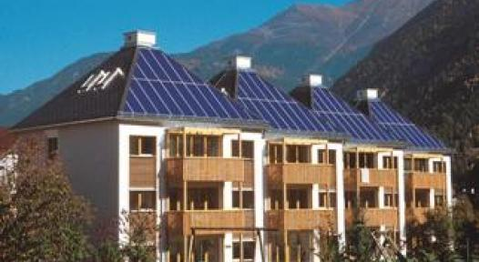 Solar-supported 2-pipe Heating Networks in Multi-family Houses (2004)