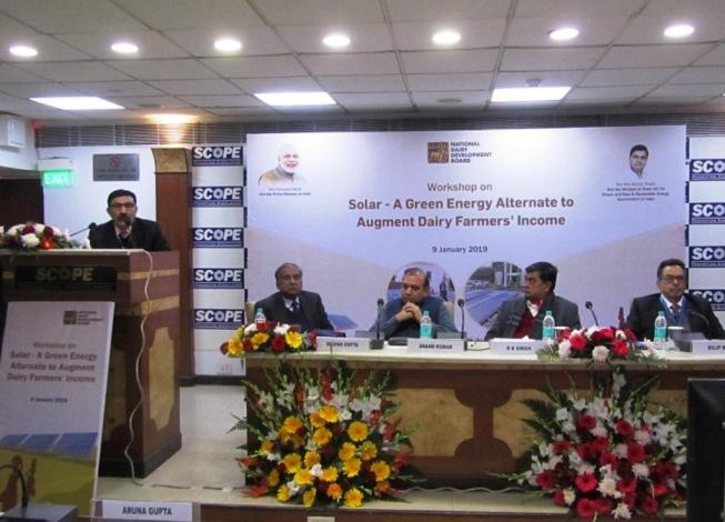 Concentrating solar heat for dairies in India